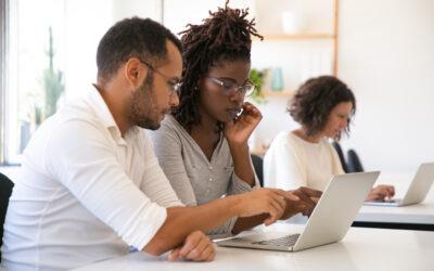 Una encuesta sin precedentes descubre que los consejos de los empleadores son los más valorados pero los menos utilizados al elegir una carrera universitaria (artículo por Strada Education Network)